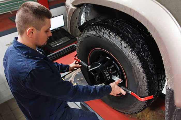 Mechanic tuning aligner for wheel alignment