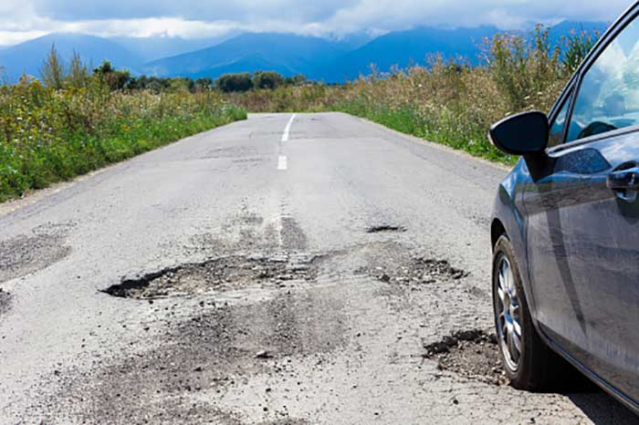 Can Potholes Cause Accidents